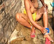 Indian Desi Aunty Topless Outdoor Bath Capture Radhika Bhabhi from aunty is bath mms asin xnxx rapehweta tiwari xxx photon chubby
